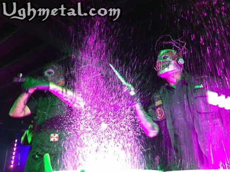 Mushroomhead bang away to our content.  (L to R: Vocalist Jason Popson and percussionist Rick Thomas)